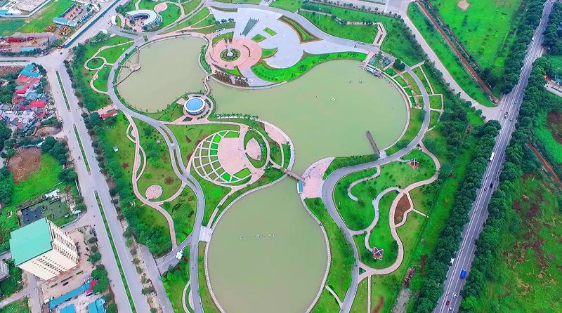 Công viên Hòa Bình cạnh kdt Ngoại Giao Đoàn