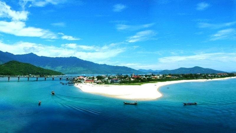 Vịnh Lăng Cô - 6 miles nằm trong top những vịnh biển đẹp nhất thế giới