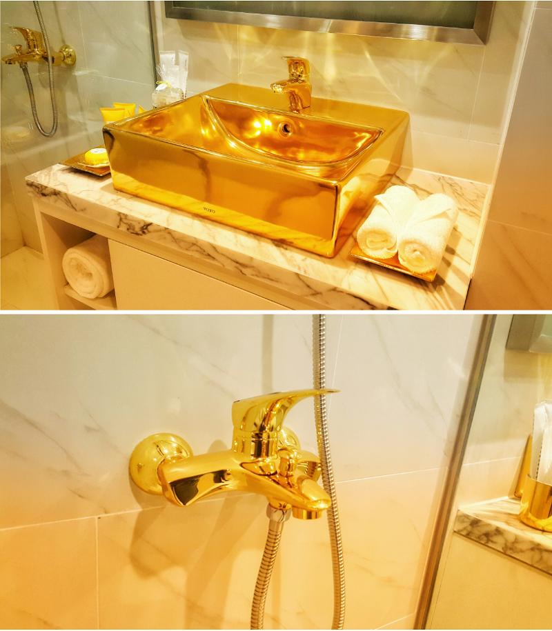 WC dát vàng chung cư B7 Giảng Võ - Golden Lake Hòa Bình