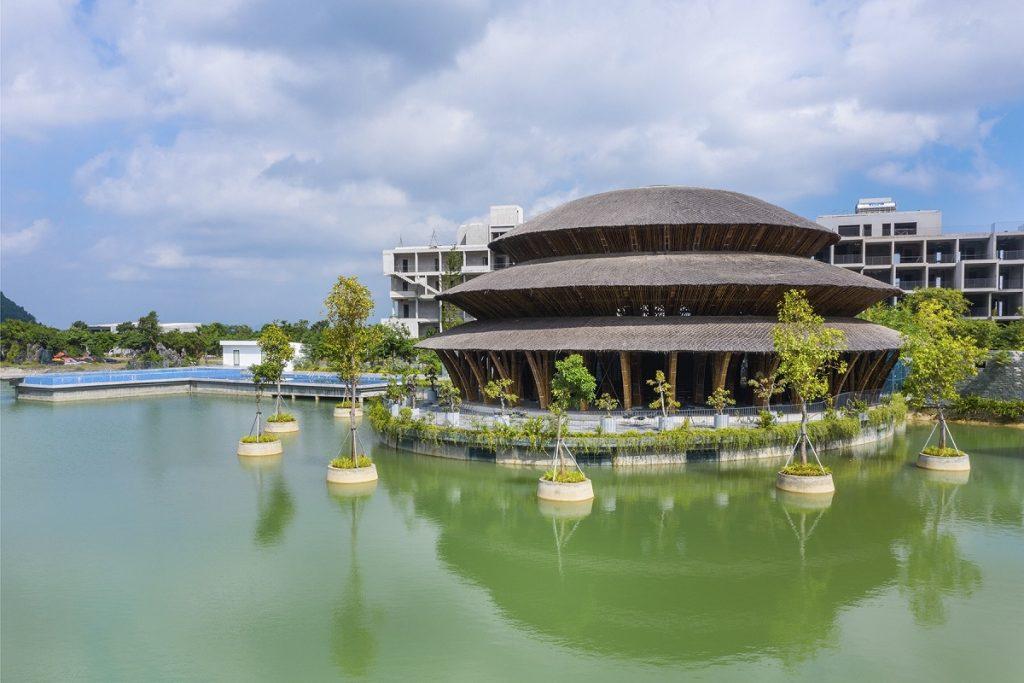 Ảnh thực tế Hồ trung tâm dự án Vedana Cúc Phương Resort Ninh Bình tháng 11/2020