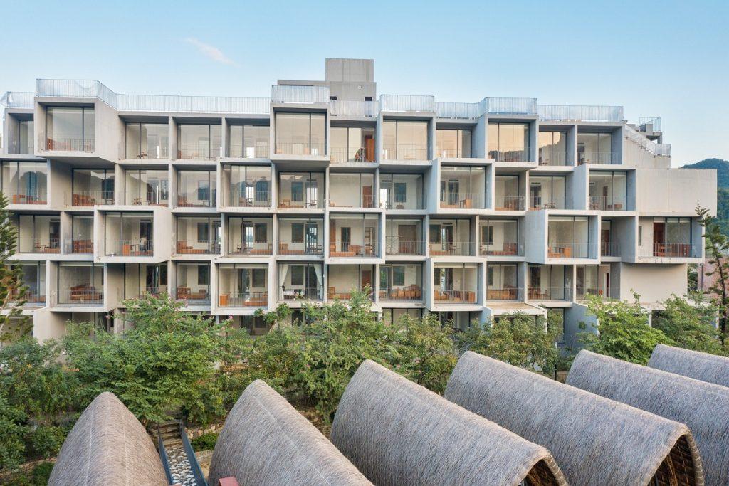 Ảnh thực tế tòa Condotel AU1 dự án Vedana Cúc Phương Resort Ninh Bình tháng 11/2020