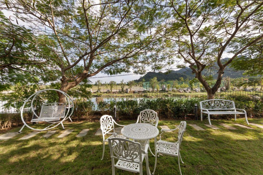 Ảnh thực tế vườn sau biệt thự dự án Vedana Cúc Phương Resort Ninh Bình tháng 11/2020