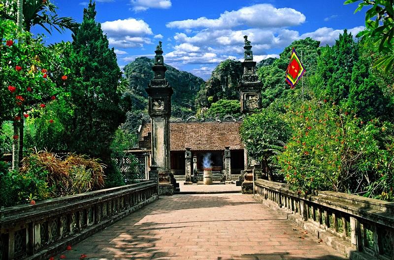 Cố đô Hoa Lư Ninh Bình (Life Resort Ninh Hải)