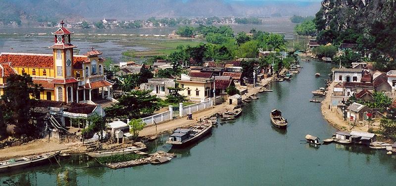 Làng nổi Kênh Gà Ninh Bình (Life Resort Ninh Hải)