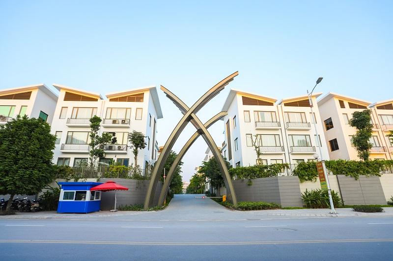 Cổng dự án biệt thự Khai Sơn Hill Long Biên