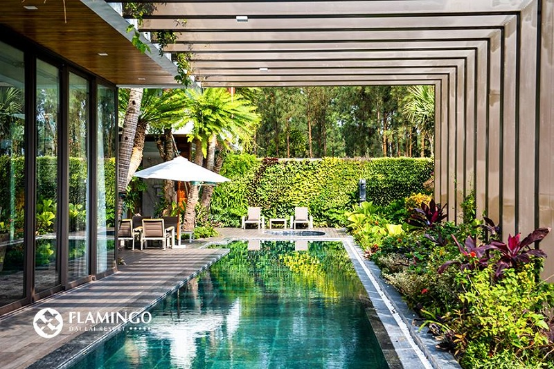 Bể bơi 2 dinh thự Legend Mansion Flamingo Đại Lải Resort