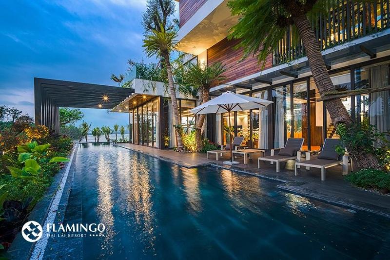 Bể bơi dinh thự Legend Mansion Flamingo Đại Lải Resort