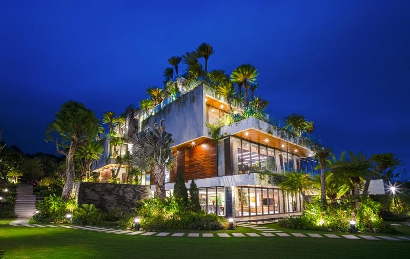 Phối cảnh dinh thự Legend Mansion Flamingo Đại Lải Resort về đêm