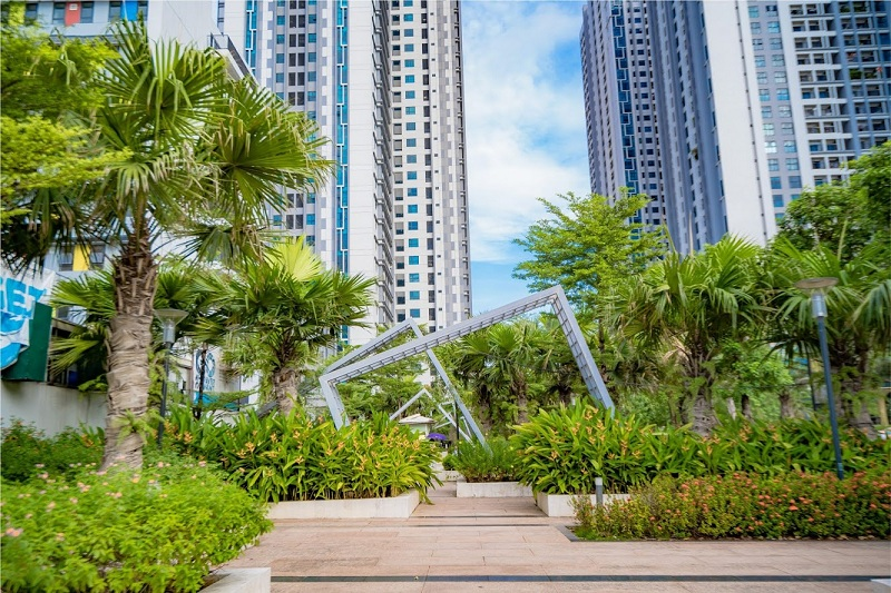 Vườn hoa cầu vồng TNR Goldmark City 136 Hồ Tùng Mậu